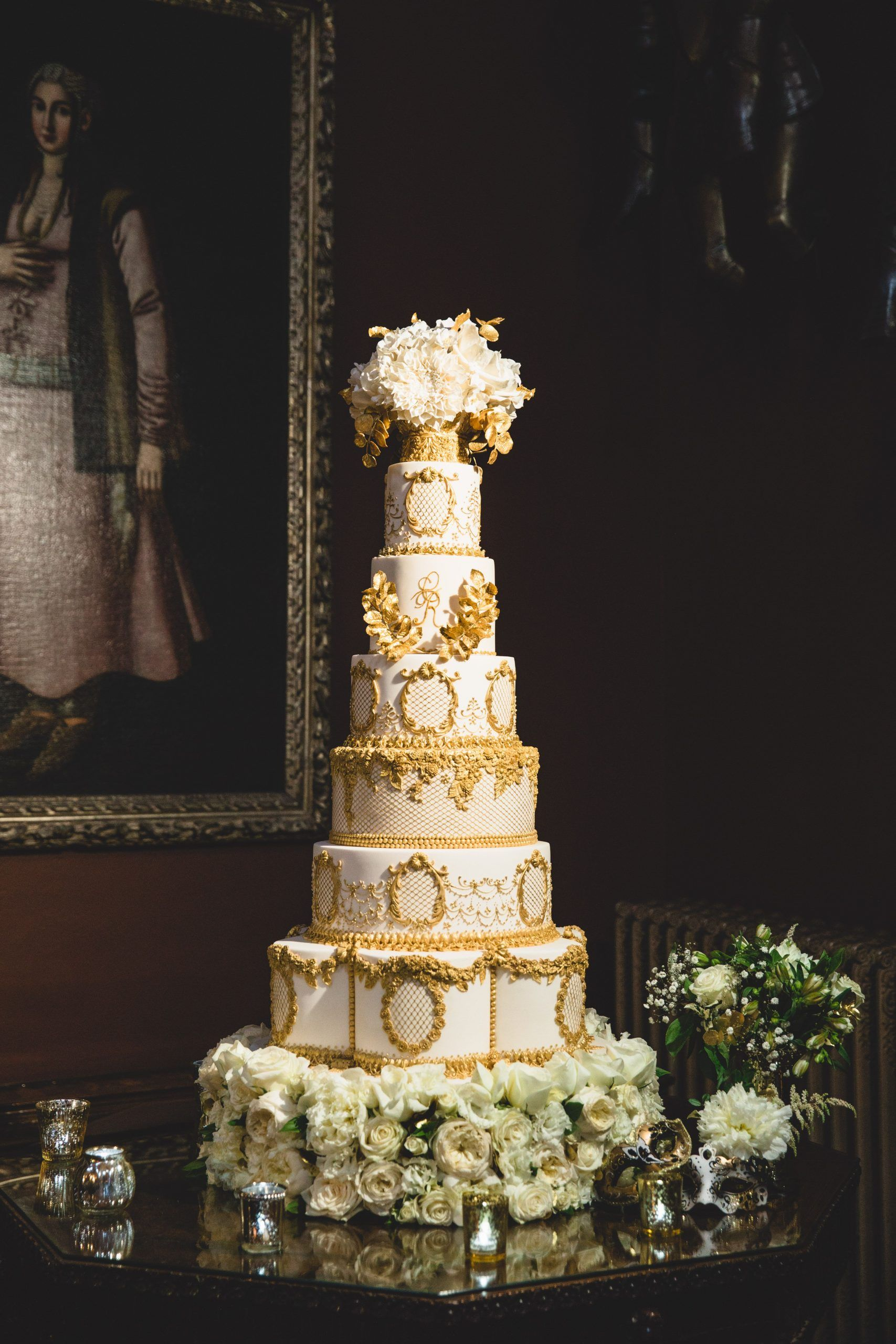Elegantly Grand 6 Tiered Luxury Ivory Wedding Cake With Edible Gold Beading Lat 6tiered Beadi In 2020 Luxury Wedding Cake Royal Wedding Cake Elegant Wedding Cakes