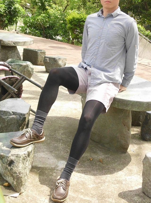 Men wanting to wear pantyhose — photo 3