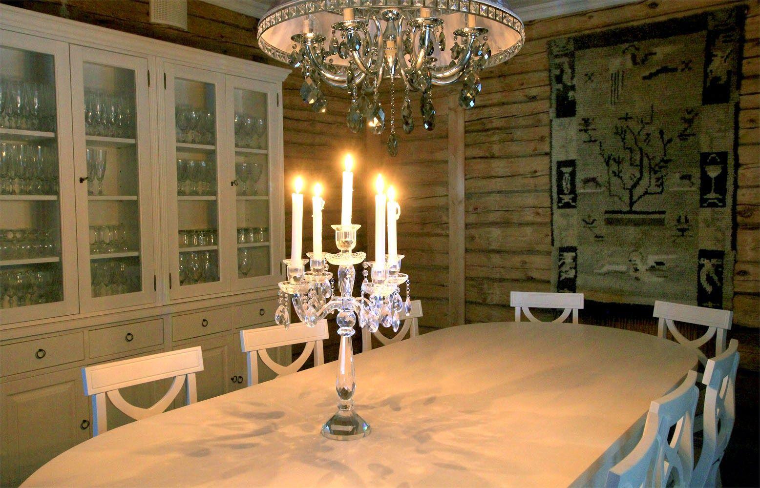 Valmistamme ovaalia ruokapöytää useassa koossa! juvi.fi