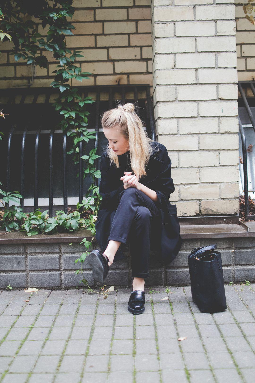 I Ll Stop Wearing Black When They Make A Darker Color Lifestyle Blog Entrepreneur Blogging Tips Kotry Fashion Blog Inspiration Style Scandinavian Fashion