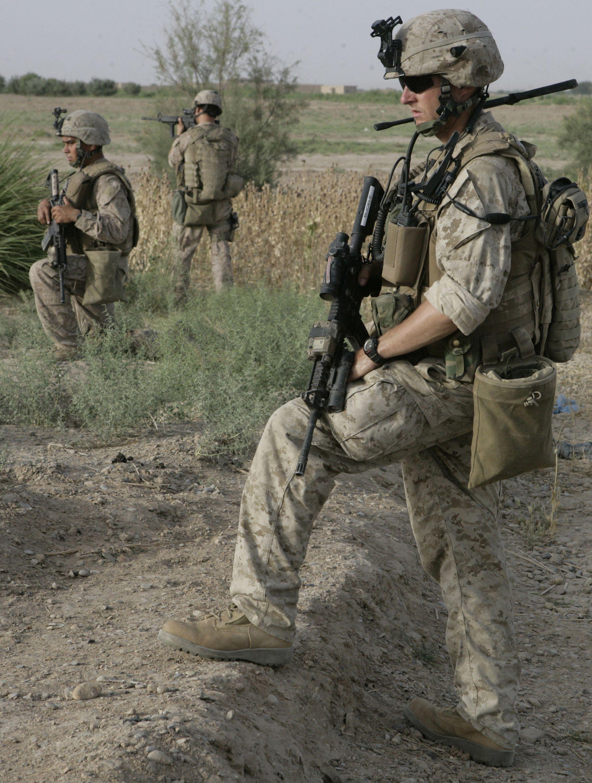 united states marines on guard 247
