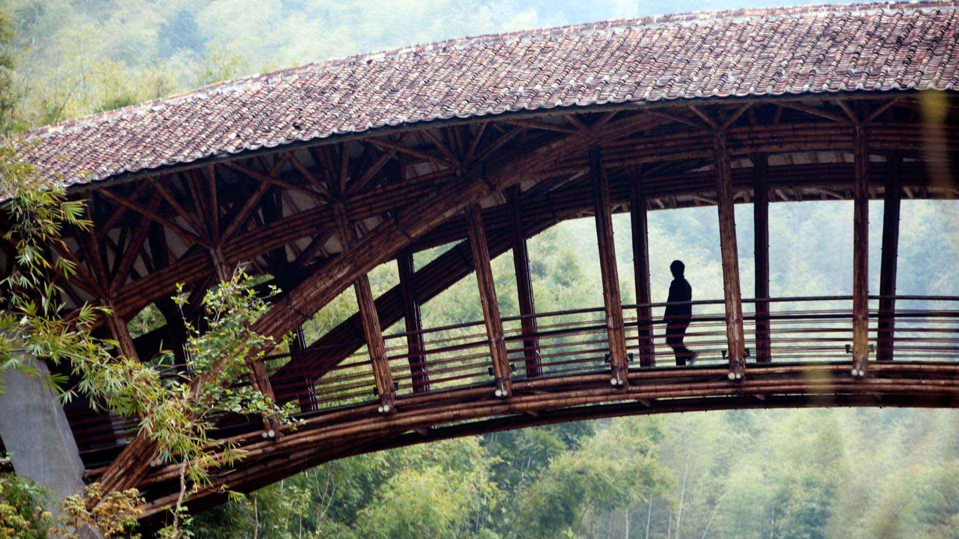 Crosswaters Ecolodge Bridge Bamboo Person 239 Jpg 1920 1080