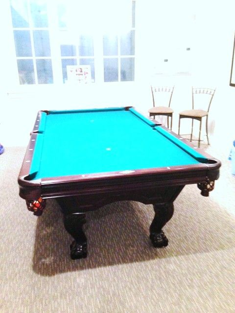 A12 Like New Solid Wood Used Brunswick Billiards Ball And Claw Pool Table  Available In Our
