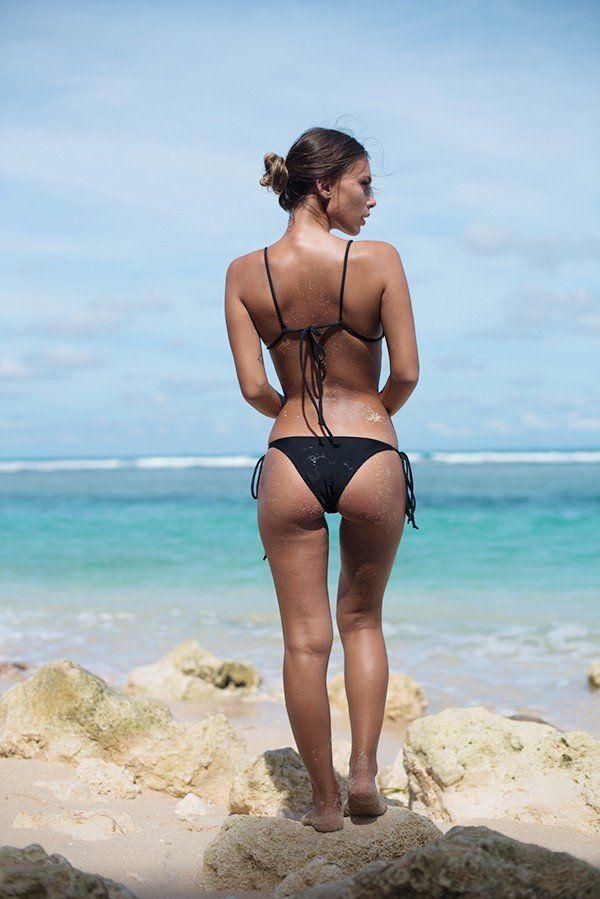 Girls in bikini bottoms — img 13