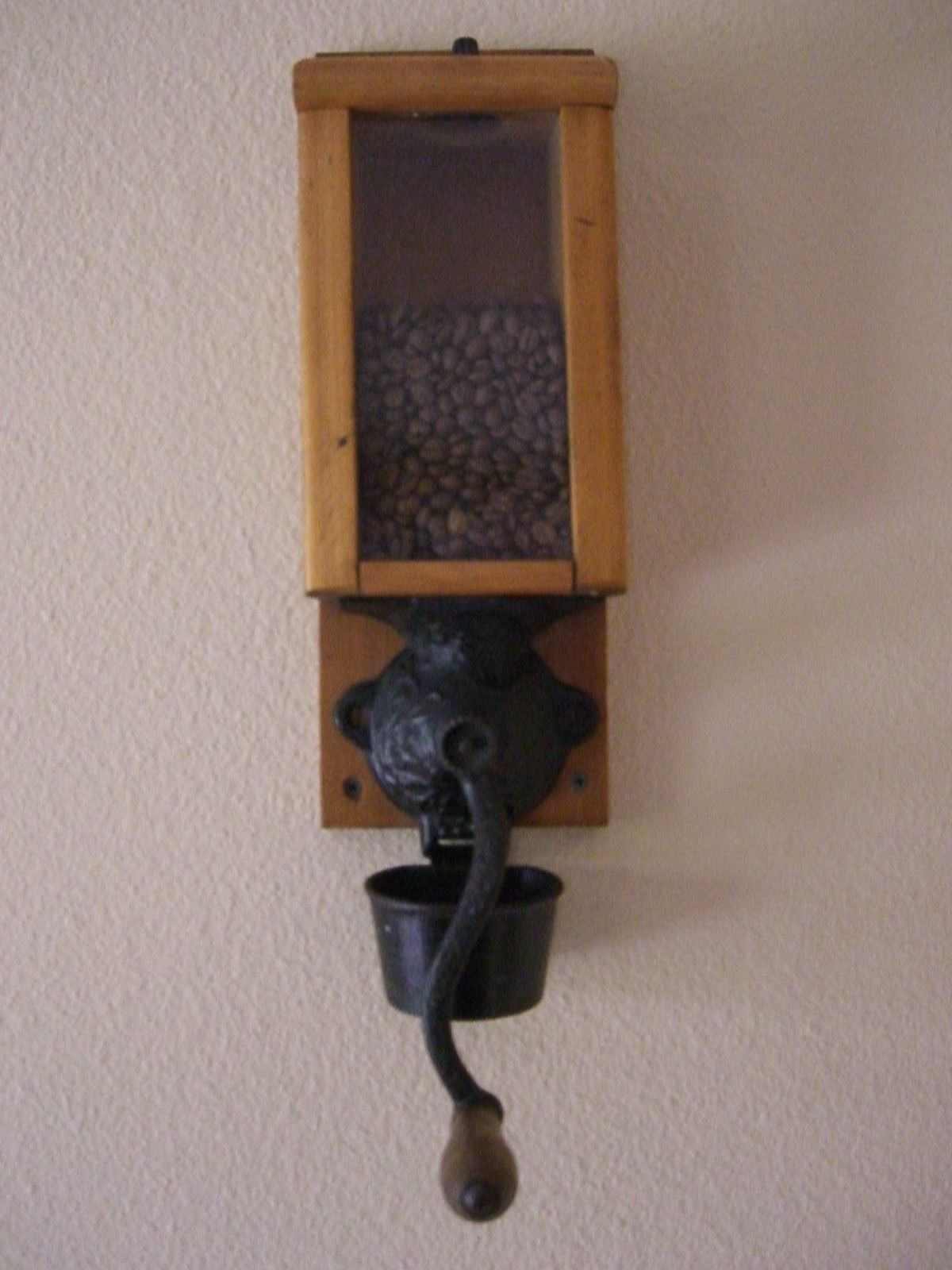 Antique Vintage Cast Iron Wall Mount Coffee Grinder Mill with Cup   eBay