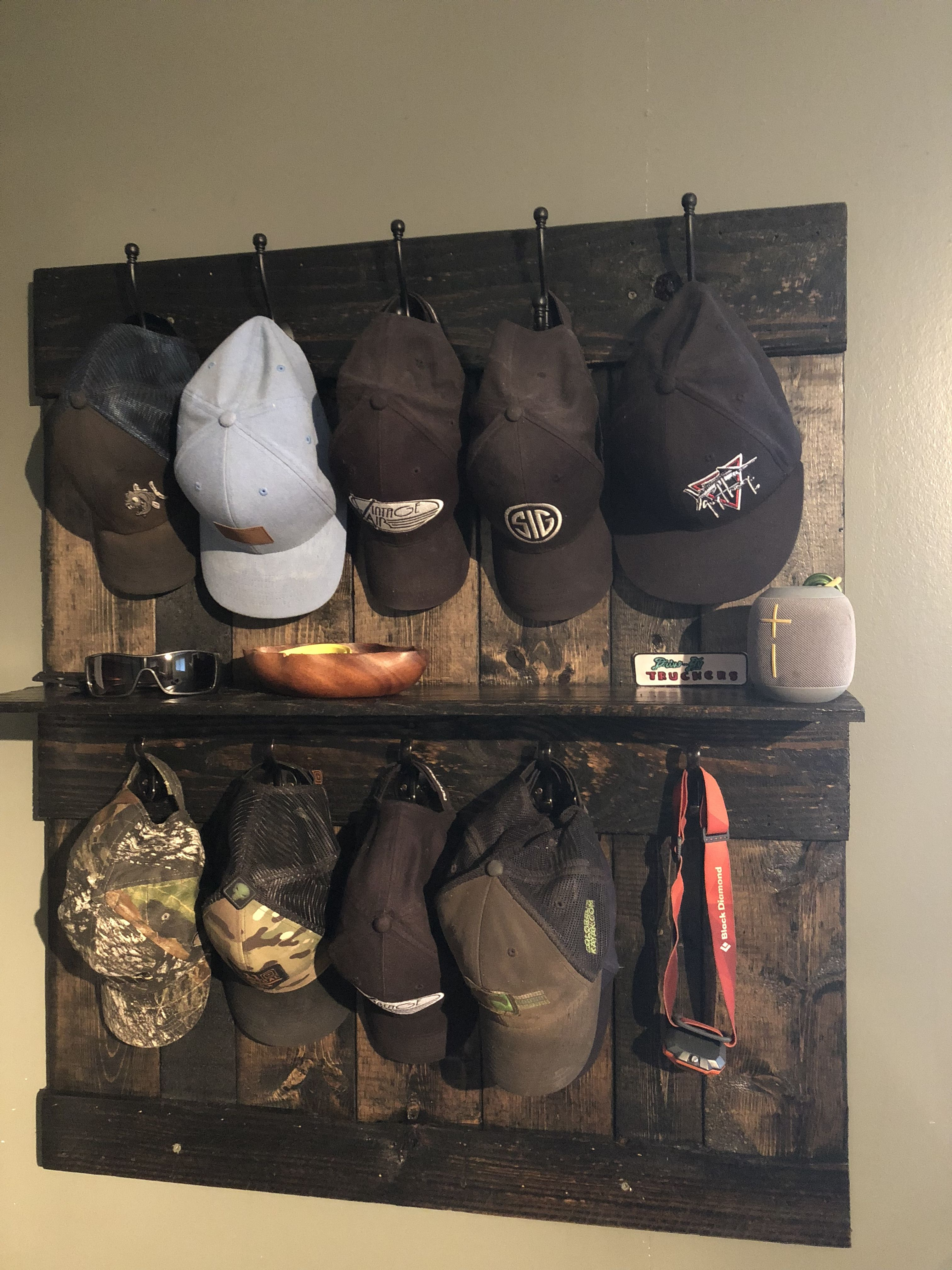 Hat Rack Made From Pallets Diy Hat Rack Wall Hat Racks Wall Hats