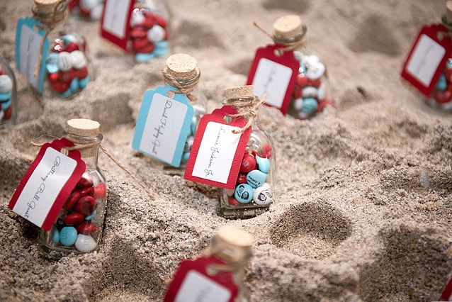 jacksondaviswedding | Wedding Pictures-How cute M&Ms with their faces on it! Love this favor idea!!