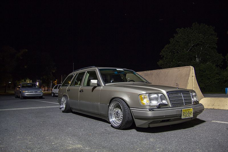 Lowered bmw wagon my friend 39 s e320 wagon lowered on bbs for Mercedes benz e320 wagon