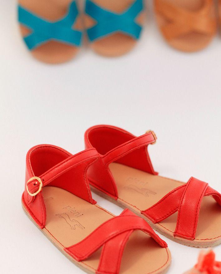 Pieni sandals