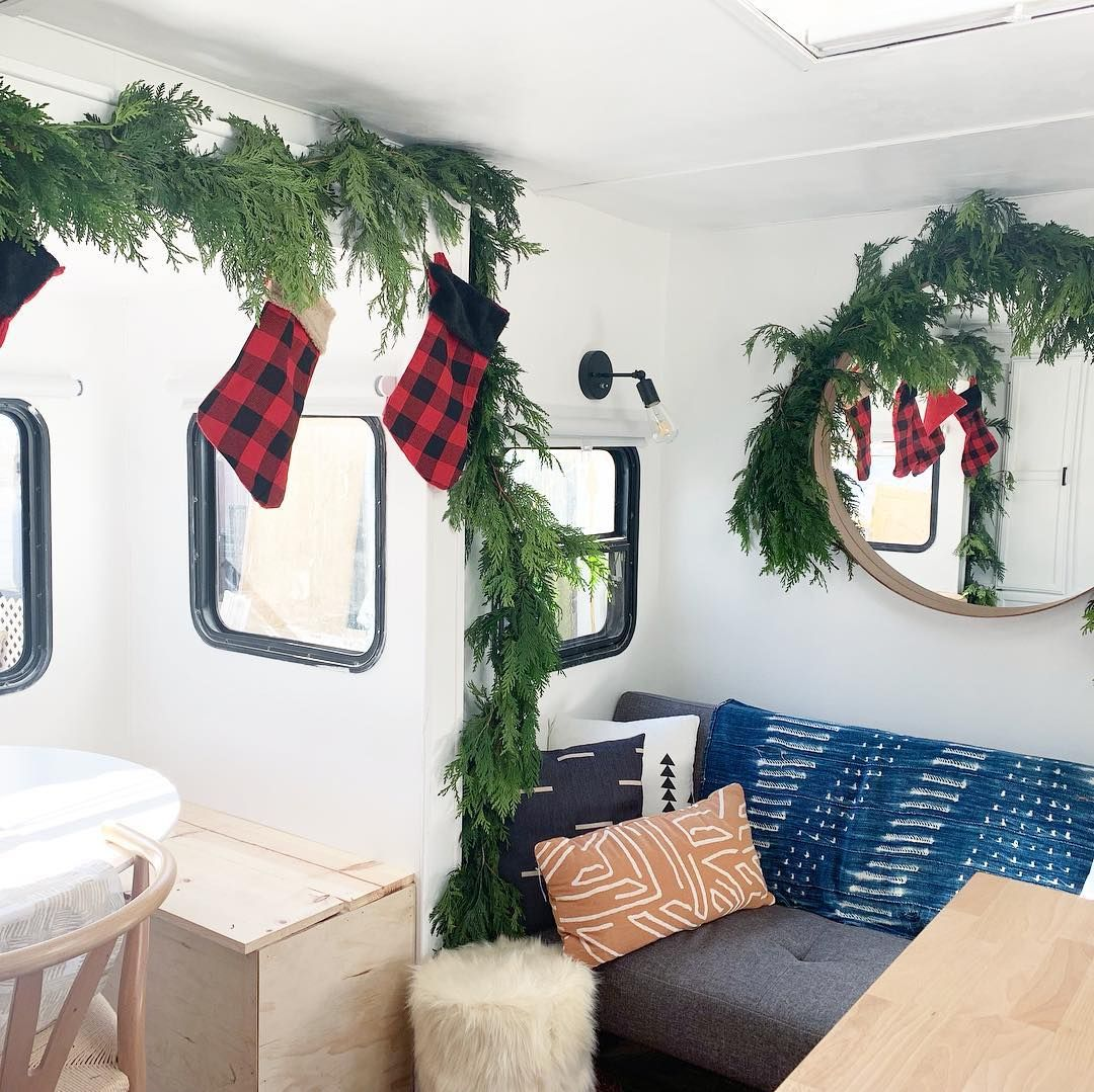 24 Campers & Motorhomes All Decked Out for Christmas | RV ... on laid out mobile homes, home improvement mobile homes, hgtv mobile homes, neat mobile homes, for rent mobile homes,