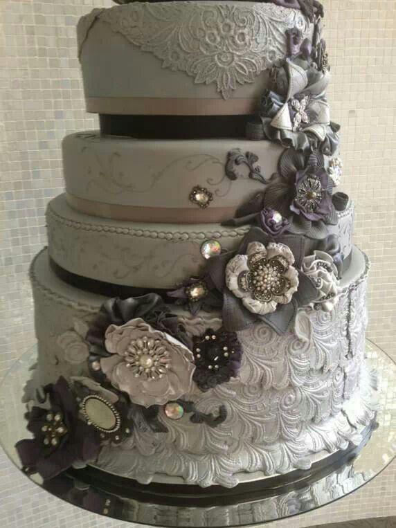 Grey black Wedding cake