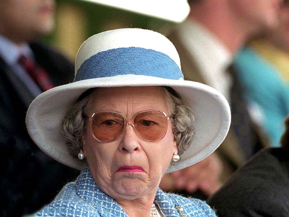 The Queen S Breakfast Routine Is Way Less Fancy Than We Expected Queen Elizabeth Memes Queen Liz Queen Elizabeth