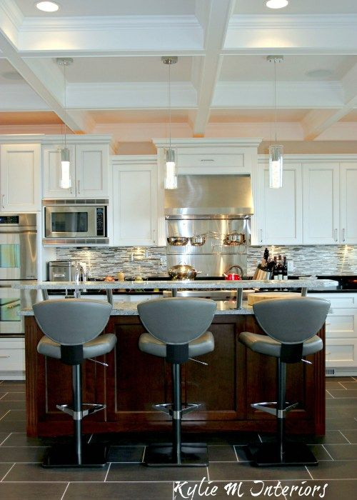 Chef\'s Dream – White Kitchen with Marble and Granite | Techos ...