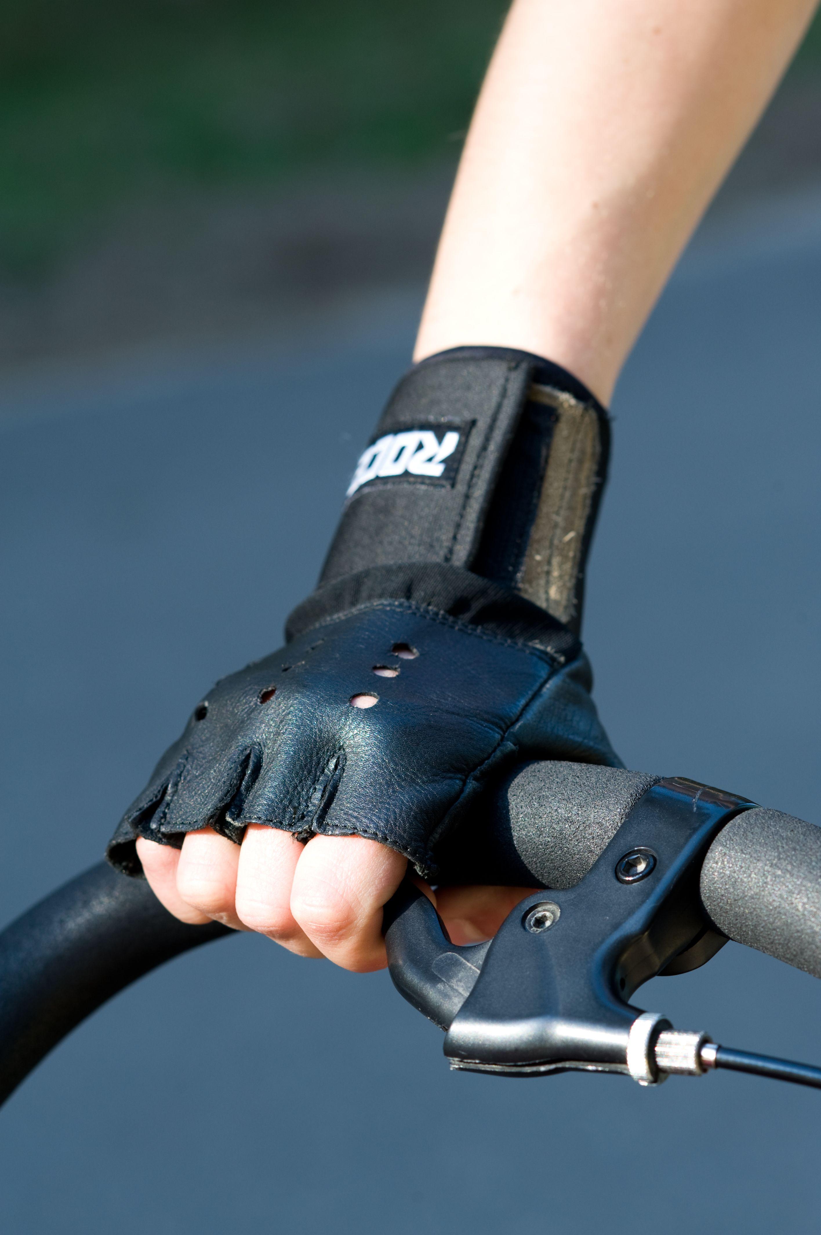 get a handbrake for your stroller - for the safe rollerblading it's