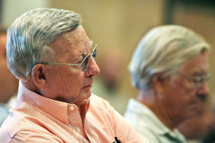 Former vero mayor winchester files for run at city council