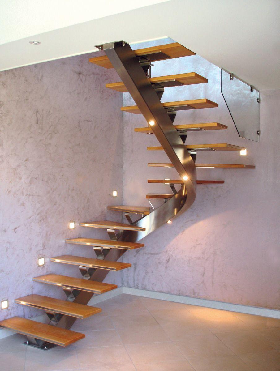 Gamme Design Escalier Avec Limon Central En Metal Et Marches En
