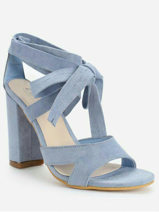 5adc44157 Sapatos Azuis Claro, Moda Clássica, Acessórios Femininos, Vestuário Feminino,  Sapatos Femeninos,