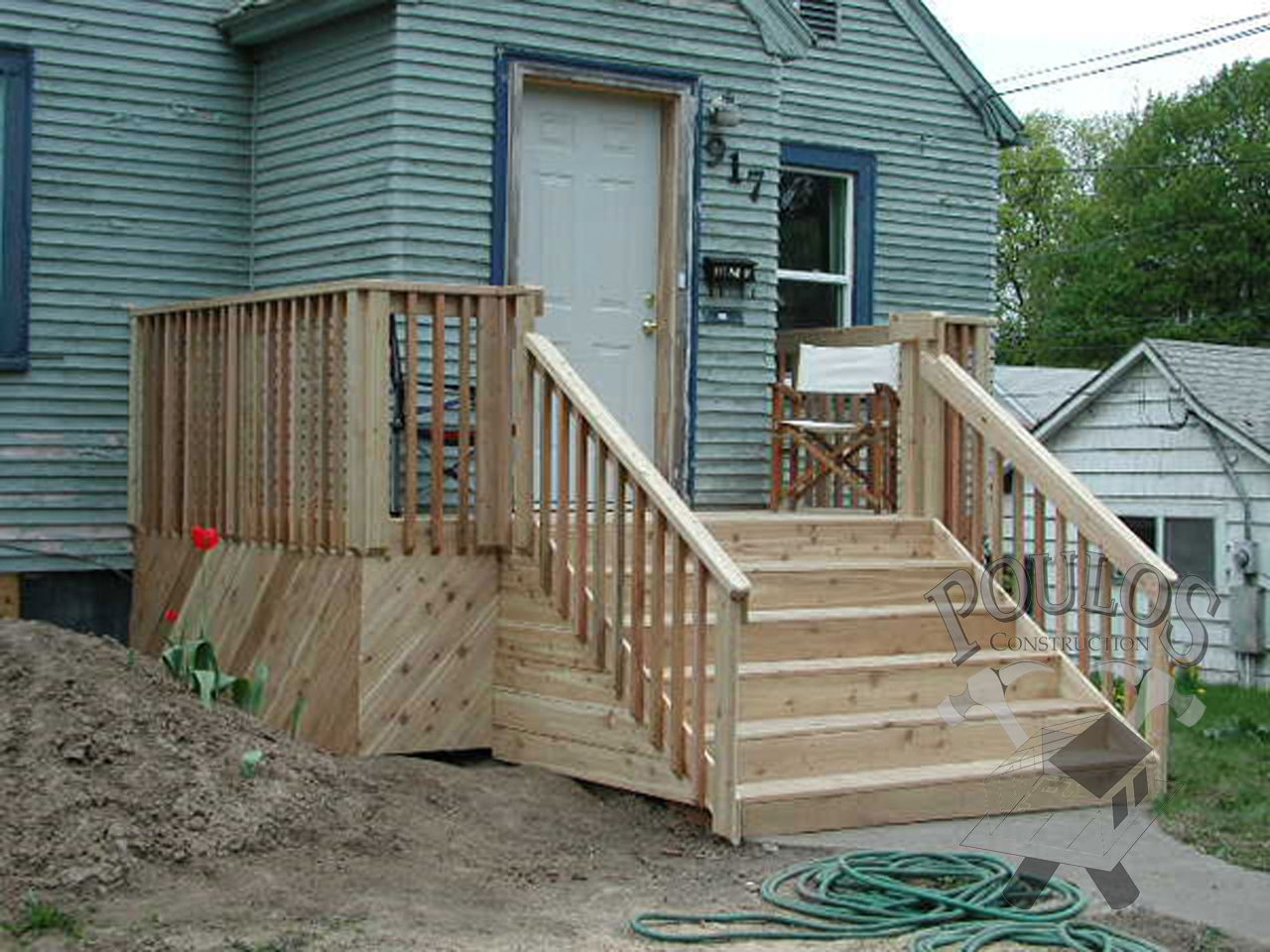 Front step idea diy pinterest ideas and front steps for Front entry decks