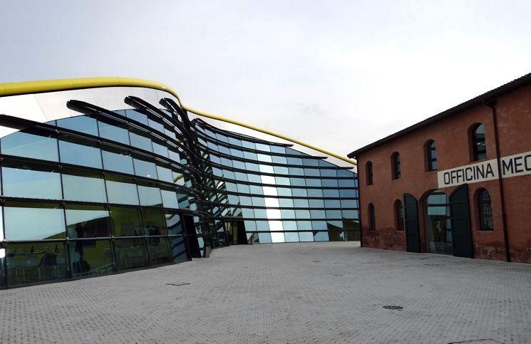 "Museo Ferrari Modena - ""Itália: Ferrari, Balsâmico, Lambrusco e Queijo na Emilia-Romagna"" by @aprendizviajant"