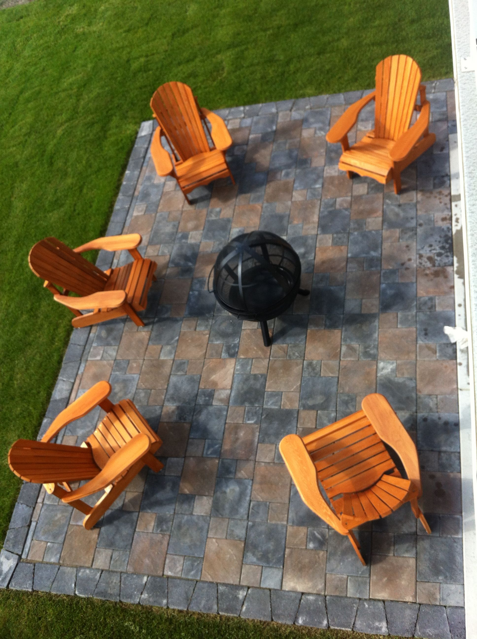 Firepit area - want to do something like this by our grill.