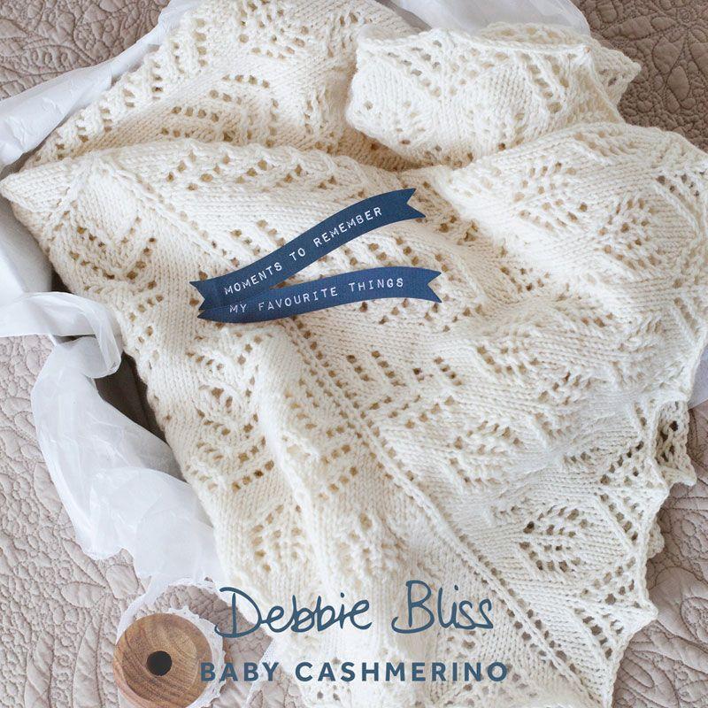 Une jolie couverture pour b b tricoter en baby cashmerino ou eco baby de debbie bliss un - Tricoter une couverture pour bebe ...