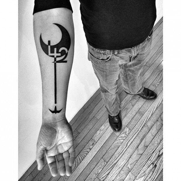 ben volt 2spirit tattoo tattoos pinterest tatouage tatouage noir et blanc et tatouage henn. Black Bedroom Furniture Sets. Home Design Ideas