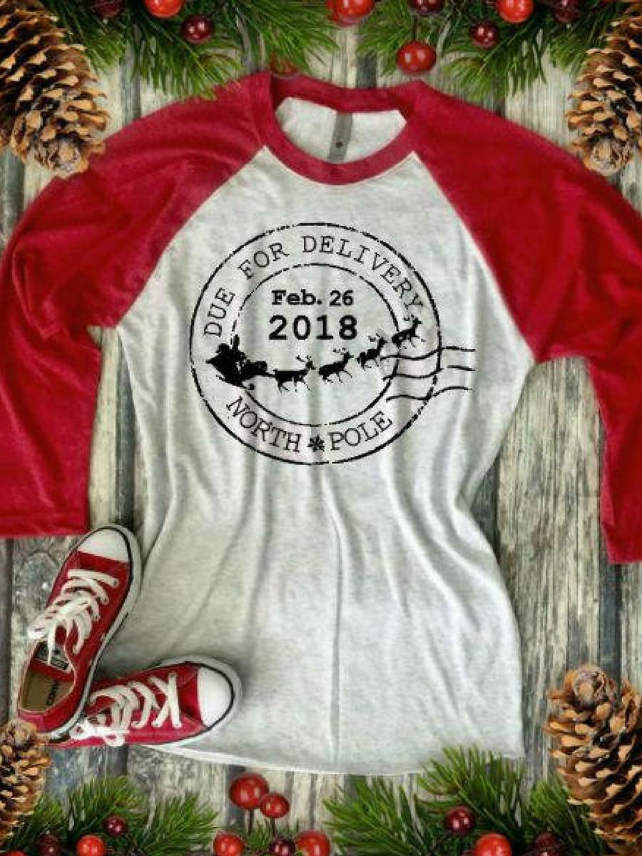 2d9fa1354809e Christmas Pregnancy Announcement Shirt. #affiliate #pregnant #christmas