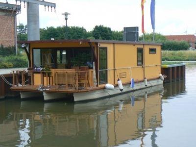Pontonboot.de Individuelle Hausboote kaufen Floating