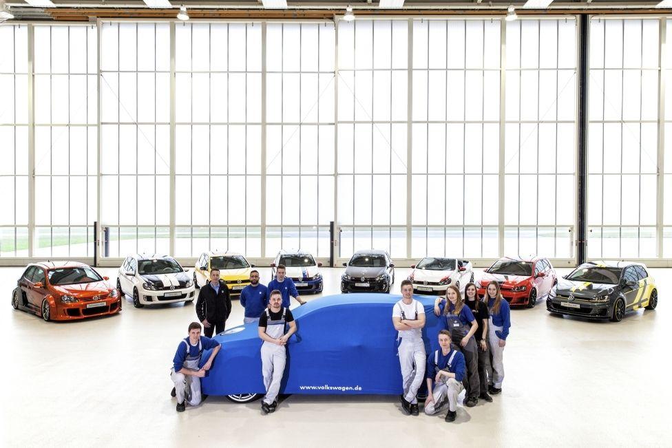 VW Nachwuchstalente bauen Golf GTI - http://eventfotos24.at/vw-nachwuchstalente-bauen-golf-gti/