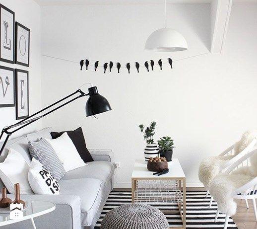 Ręcznie dziergana pufa z bawełnianego sznurka - zdjęcie od Milli Home