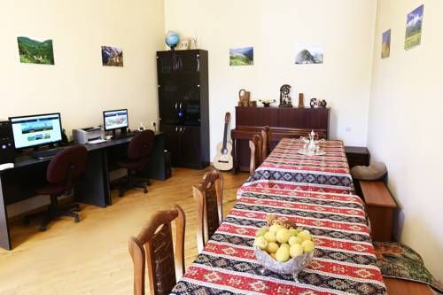 FindArmenia Hostel Yerevan Featuring free WiFi throughout the property, FindArmenia Hostel offers accommodation in Yerevan, 900 metres from Armenian Opera and Ballet Theatre.  For your comfort, you will find free toiletries and a hairdryer.