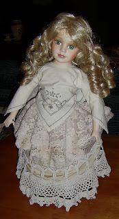 SEW IN ART: Lacy doll's dress