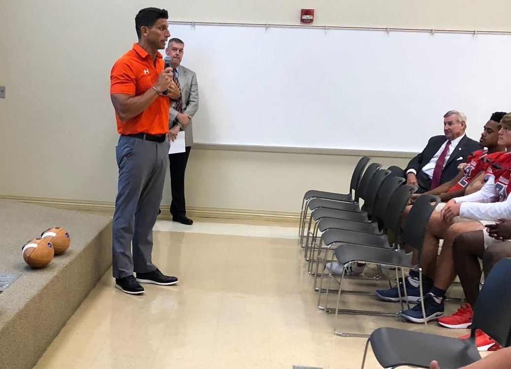Coach Josh Niblett Of Hoover High School Has Been Names Alabama All Star Head Coach For The Mississippi Football Hoover High School High School Football Games