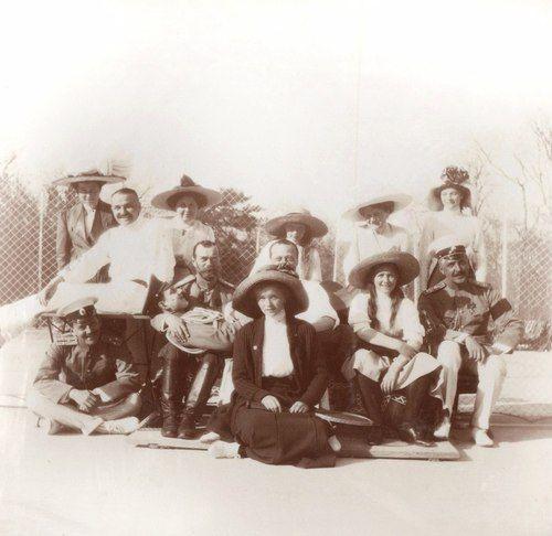 Nicolas II, Dimitri Pavlovich, Anastasia Nikolaevna, Ernst-Ludwig of Hesse, Olga Nikolaevna, Eleanore of Hesse, Maria Nikolaevna, Tatiana Nikolaevna and N.p Sablin, Spring 1912