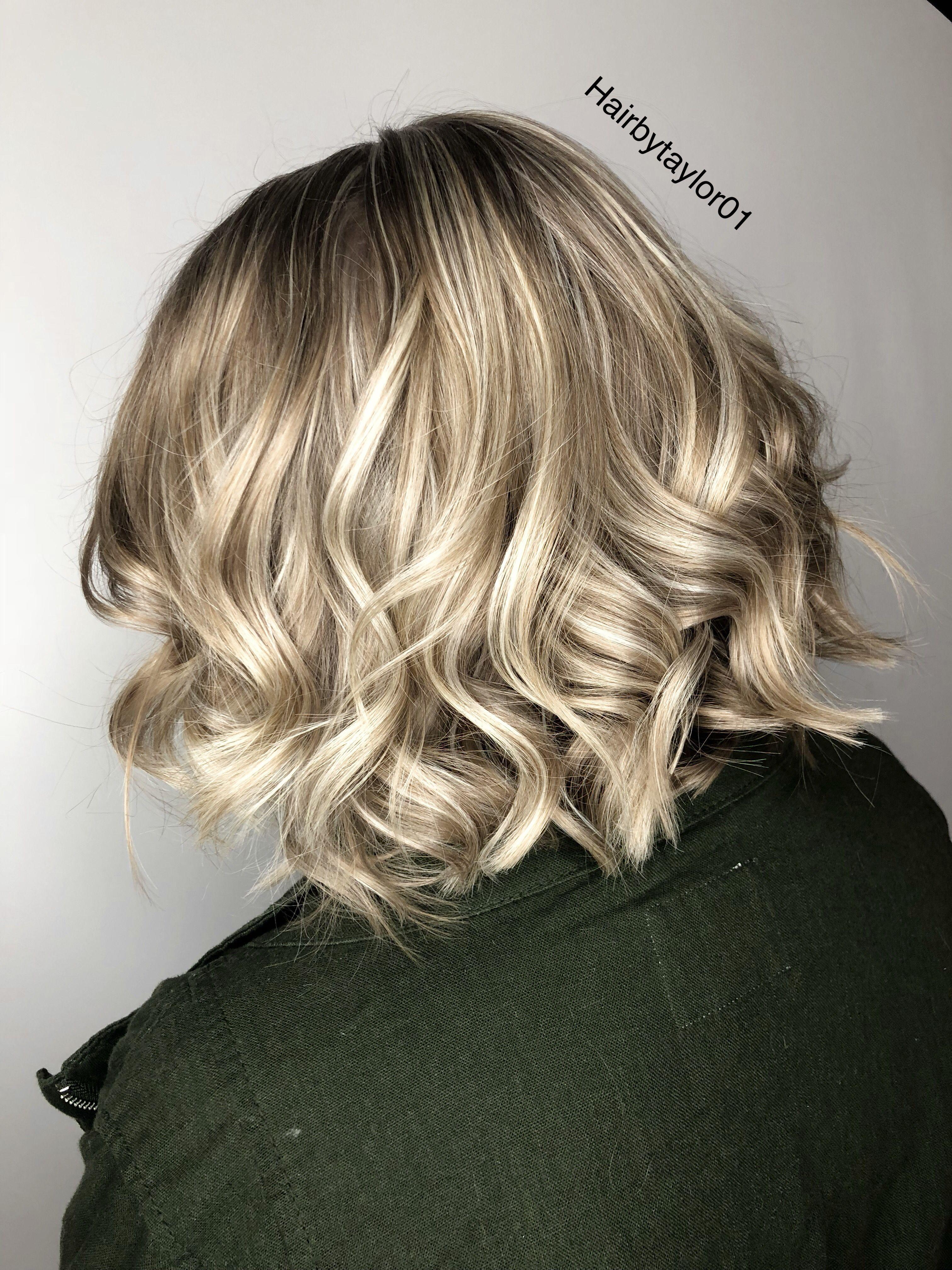 Light blonde highlights on dark blonde short hair ...