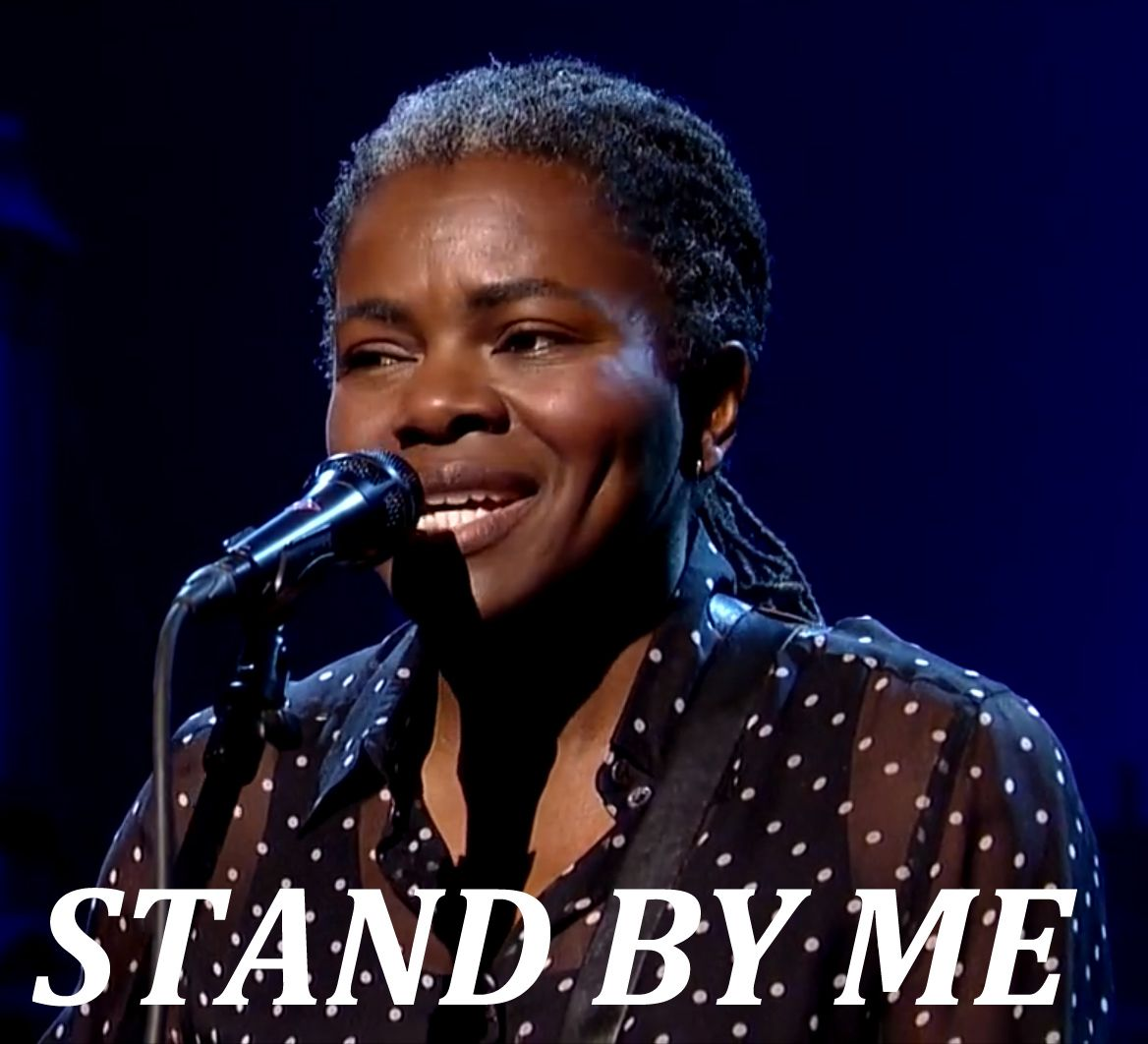 """Screenshot: Tracy Chapman performs Ben E. King's """"Stand By Me"""" on the David Letterman Show"""