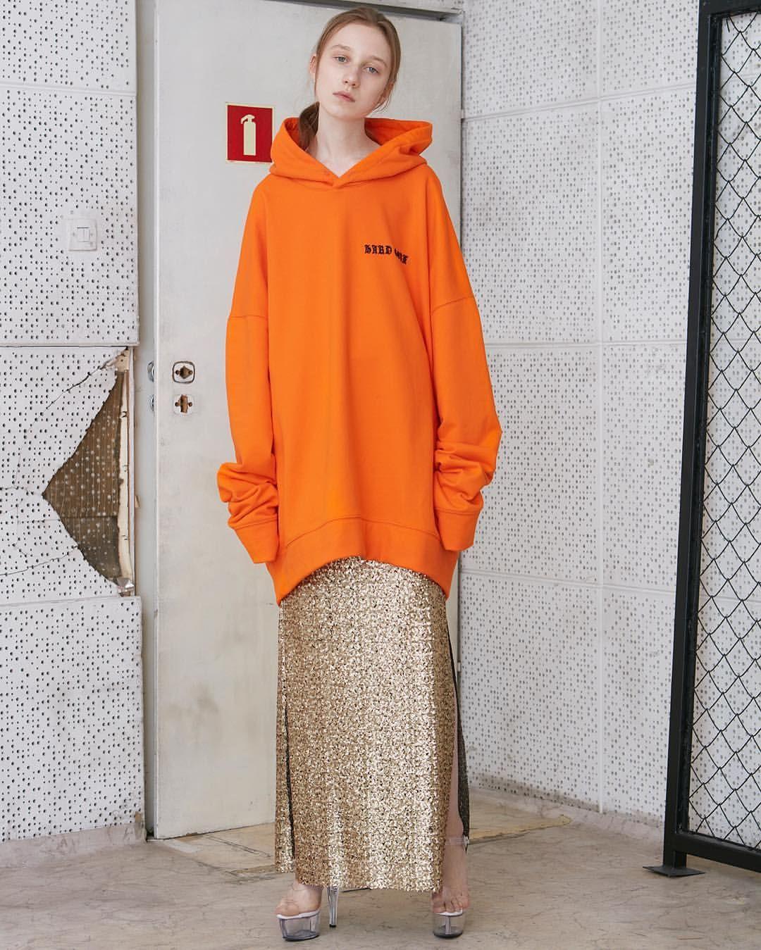 Pin by ahsh eegrek on f Orange fashion, Fashion, Fashion