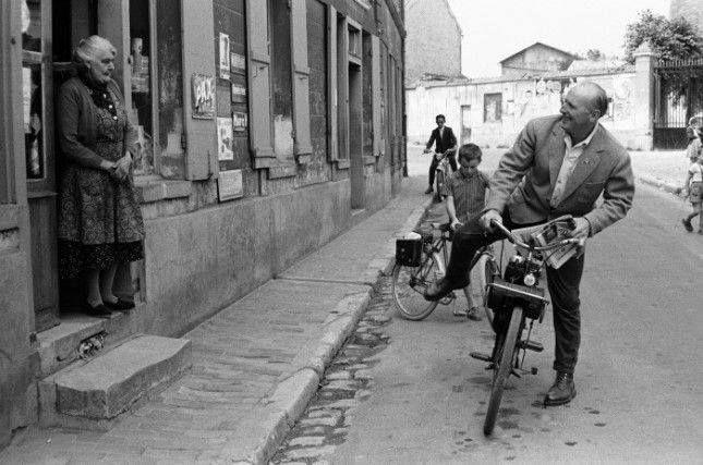 bourville | Bourvil et son fils dans le village de Bourville en ... |  Bourvil, Village, Le village