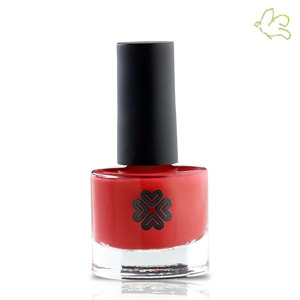 Lily Lolo - Vernis à Ongles non-toxique Miss Scarlet Le must-have de la collection Lily Lolo! Un magnifique rouge intense au fini brillant qui habille les ongles en toute occasion. Couleurs éclatantes et longue tenue. Flacon 8ml. 9,90€ #beauty #musthave #rouge #vernis #ongles #rednails #scarlet #red #vernisaongles #lilylolo #nontoxique #ecologique #clean #green #bio #naturel #maquillage #france #tendance www.officina-paris.fr #lilylolo