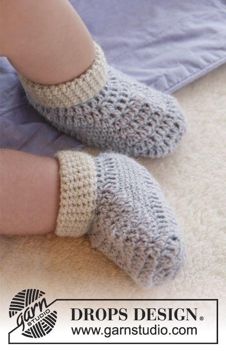 Botinhas bebe baby booties DROPS em croché, em \