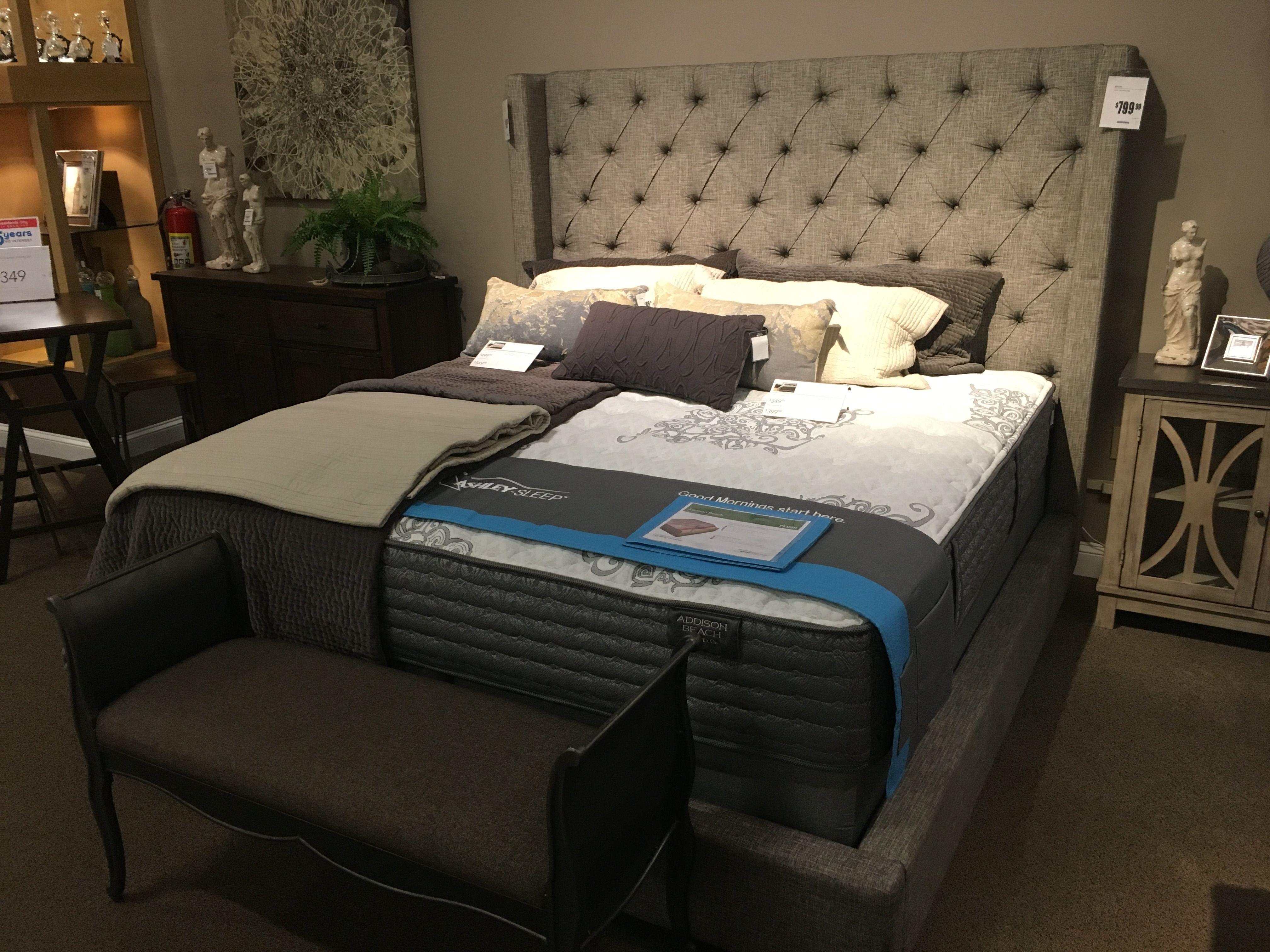 Sorinella Bed 67hx69w
