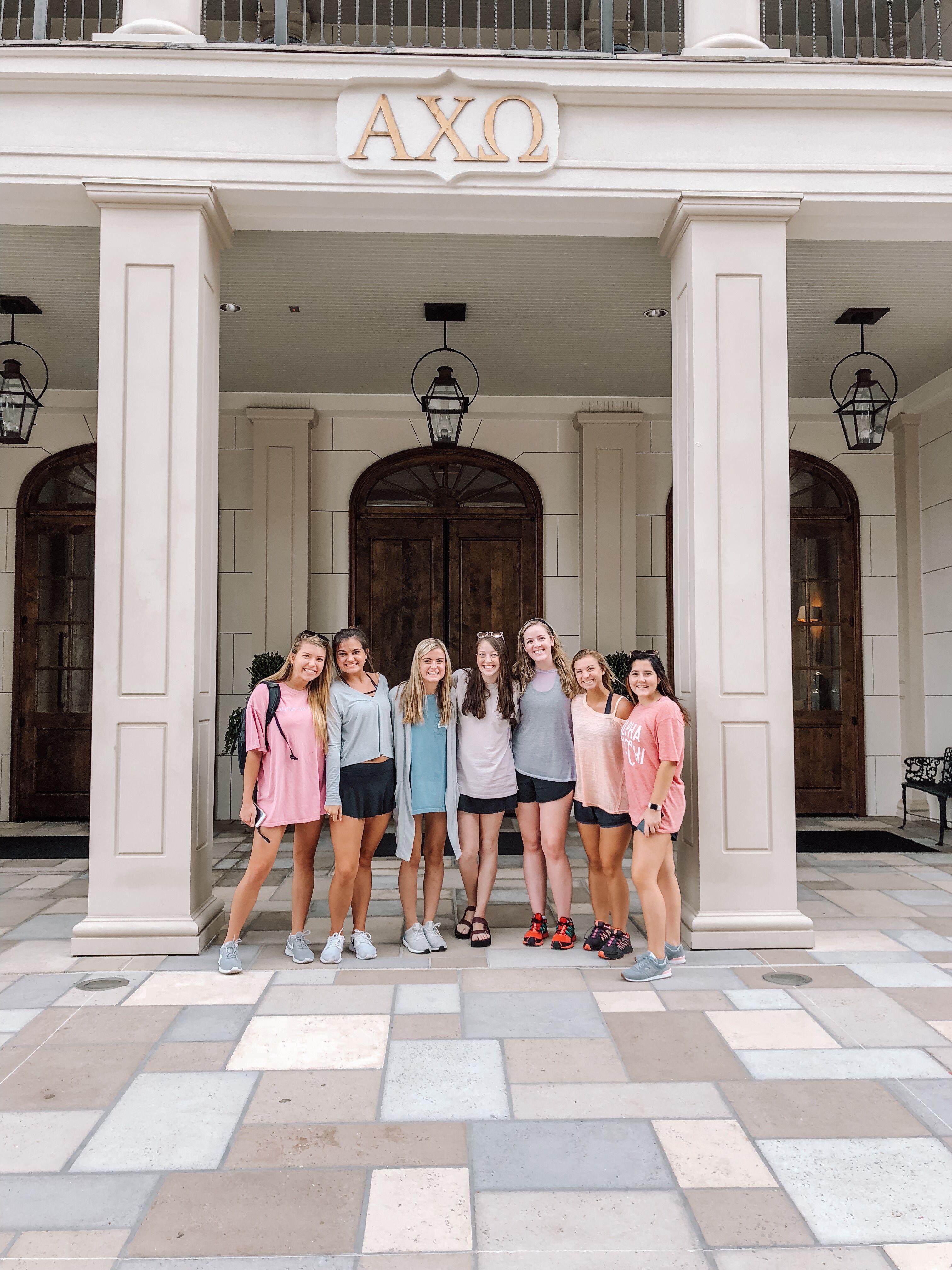 University Of Alabama Alpha Chi Omega Sorority House Sorority