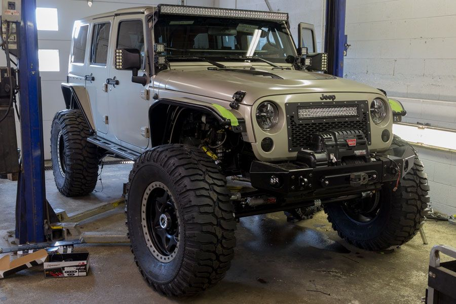 project-vandal-jeep-jk-rubicon-unlimited-darren-build-top-doors-on-front-passenger-view.jpg (900×600)