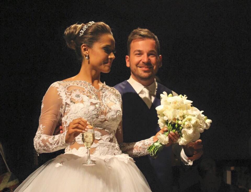 Noiva Lauane Casou de Vestido de Noiva Geraldo Couto Atelier
