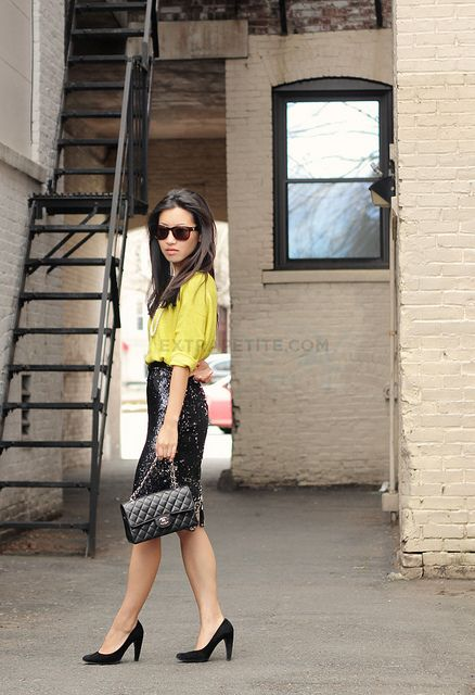 b63b410e6 Love this look! from my favorite blogger... Black Sequin Skirt, Sequin
