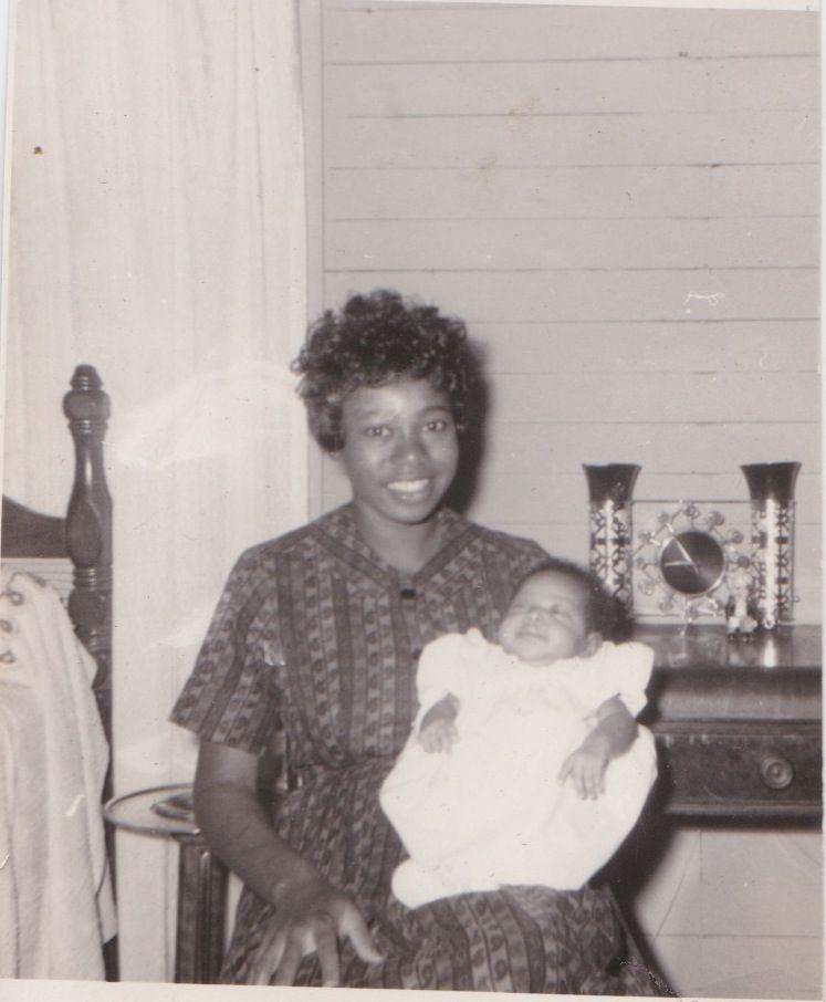 On March Otis and Zelma Redding celebrated the birth of their daughter Karla. Black Like Me, Otis Redding, Vintage Black Glamour, Soul Singers, Famous Black, Famous Stars, Family Matters, Family Affair, Queen