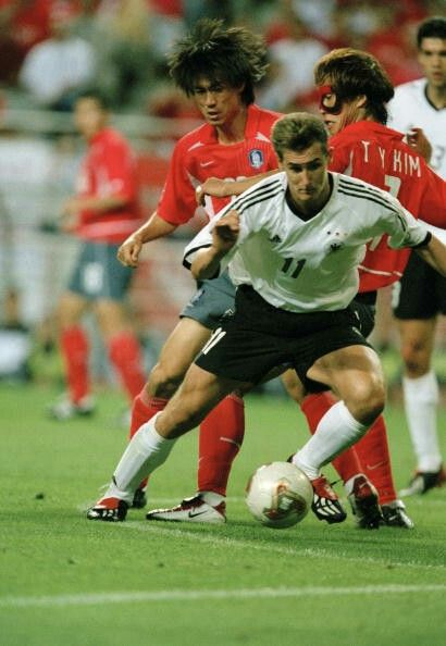 South Korea 0 Germany 1 In 2002 In Seoul Miroslav Klose Tries To Find A Way A Through In The World Cup Semi Final