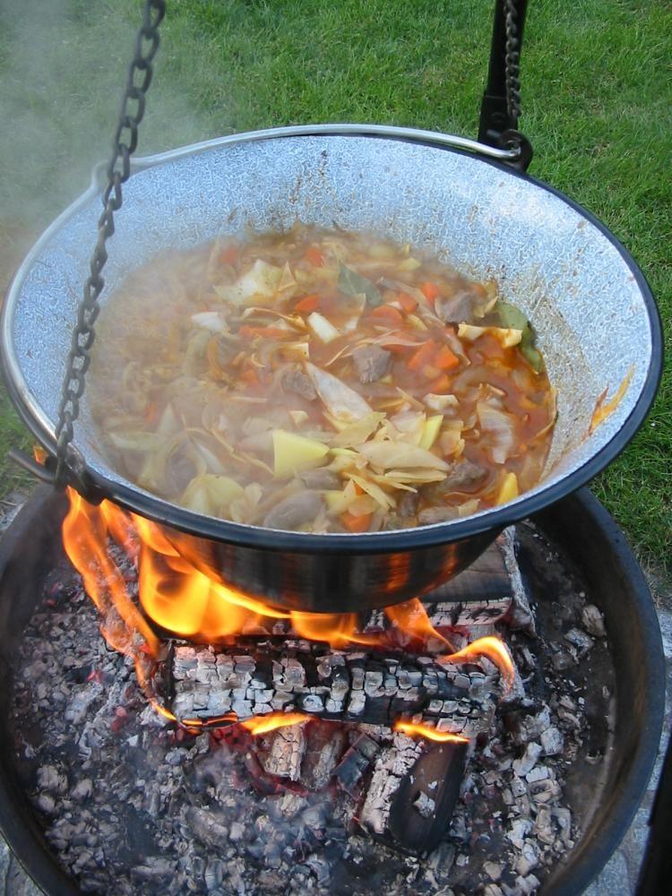 irish stew lagerfeuer kochen omas kartoffelsuppe eintopf und grillen. Black Bedroom Furniture Sets. Home Design Ideas