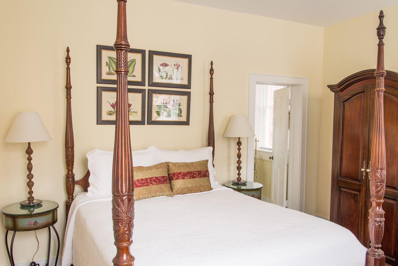 The Elliott House Inn Hotels room, Room, House