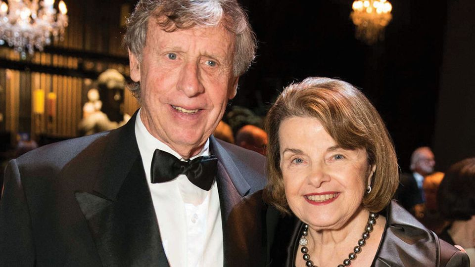 Shock Report Sen Dianne Feinstein S Husband Wins Ca Rail Contract Dianne Feinstein Capitalism Contract